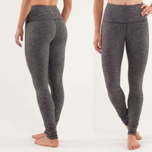 Lululemon High-Rise Black Textured Wunder Unders 6